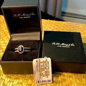 Beautiful Saphire and diamonds, 14 k gold